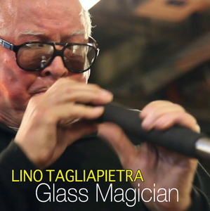 frame of Lino Tagliapetra blowing glass